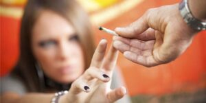 8HECHOS SOBRE EL ABUSO DE DROGAS EN ADOLESCENTES